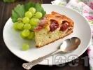 Рецепта Сладкиш със сини сливи от кисело мляко, яйца, маргарин и бакпулвер
